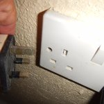 Wall pug ~ bring an adapter as there's only one plugin by tv that's 110!