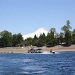 navegando con vista del volcán Villarrica