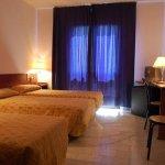 451158 Guest Room