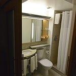 corner doors bathroom
