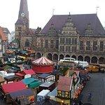 Blick vom Zimmer auf den Weihnachtsmarkt