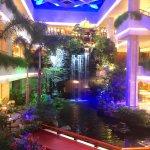 Zdjęcie White Swan Hotel