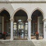 Photo de SINA Centurion Palace