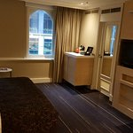 King  room. Room #719. End of hallway, no side  neighbouring rooms, views to Crown and Southbank