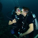 kissing divers happy