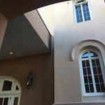 Photo de Embassy Suites by Hilton Charleston - Historic Charleston