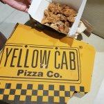 Yellow Cab Pizza Foto