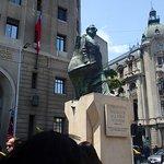 Monumento a Salvador Allende (cerca del hotel)
