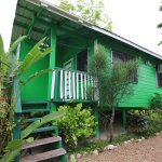 Cabana:comes with 1 queen bed, kitchenette area, cable TV, WiFi, cell phone, private hot & cold