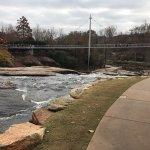 Photo de Falls Park on the Reedy