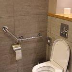 Chambre 337 : WC handi