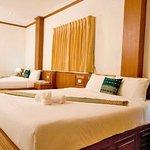 Photo de Andaman Seaside Resort