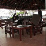 Roof top lounge/patio - beverages & available