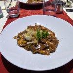 Pâtes farcies au gorgonzola sauce cèpes et truffe noire. Délicieux !