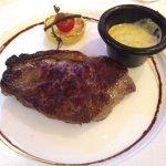 Steak with Béarnaise sauce