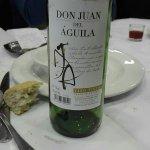El vino del menú, solo un poco mejor que el veneno.