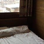 Tête de lit plaquée au radiateur
