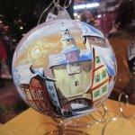 Hand paints Christmas tree balls