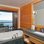 South Pointe Deluxe Bathroom