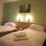 Photo of Caledonian Hotel