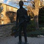 Une sculpture représentant Vincent Van Gogh