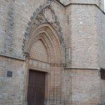 Puerta al Monasterio