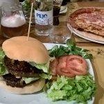 ภาพถ่ายของ Pota Mountain Burger