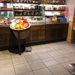 Photo de Starbucks 425 Oxford Street