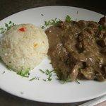 Riñones al Jerez con arroz