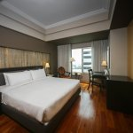 Main Wing Deluxe Room - King Bed