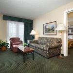 坎薩斯城機場惠庭套房飯店照片