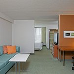 Photo de SpringHill Suites Chicago Naperville/Warrenville