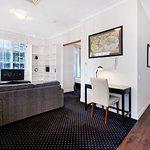 1 Bedroom Refurbished - Lounge