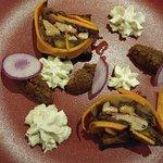 confessé de foie gras de canard patate douce et magret fumé compotée de pomme poire