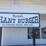 صورة فوتوغرافية لـ Bartels Giant Burger