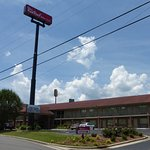 Photo of Red Roof Inn & Suites Cleveland, TN