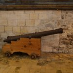 Rusty old canon, but genuine!