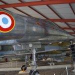 Nouveau hangar Sud (Mirage IV, fraîchement redécoré)