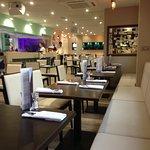 Foto The Bridge Mediterranean Bar & Restaurant