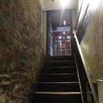 Escalier pour descendre aux salles de bain