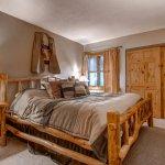 Ski Inn Condominiums Photo
