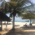 Photo de Kendwa Rocks Beach Hotel