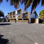 Sumner Bay Motel