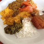 Variedade de comidas típicas! Incluindo acarajé e vatapá.