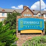 Foto de Staybridge Suites Austin Arboretum