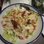 Rest. La Poma chicken çaesar salad