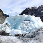 冰河推擠形成的拱門