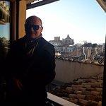 desde una de las ventanas.La catedral de Granada