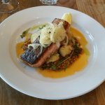 Fillet of salmon with crushed potatoes, fennet and bois boudra