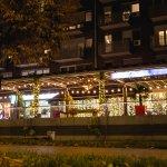 Fotografija – Strada Kitchen and Bar